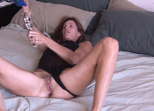 oldspunkers-sherry-using-a-large-dildo-on-her-asshole