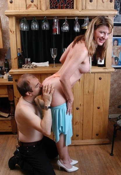 old-spunkers-visiting-the-horny-neighbor