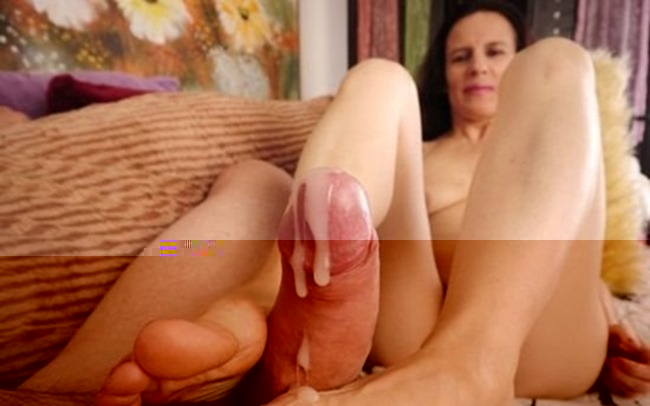 old-spunkers-messy-foot-job