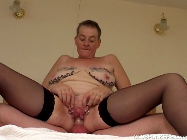 Enter here the number 1 site for mature women lovers ?